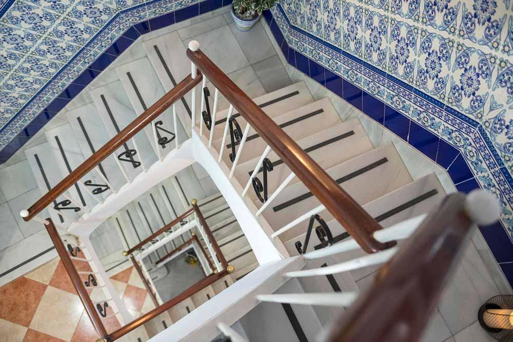 Detalle Escalera Hostal Colón